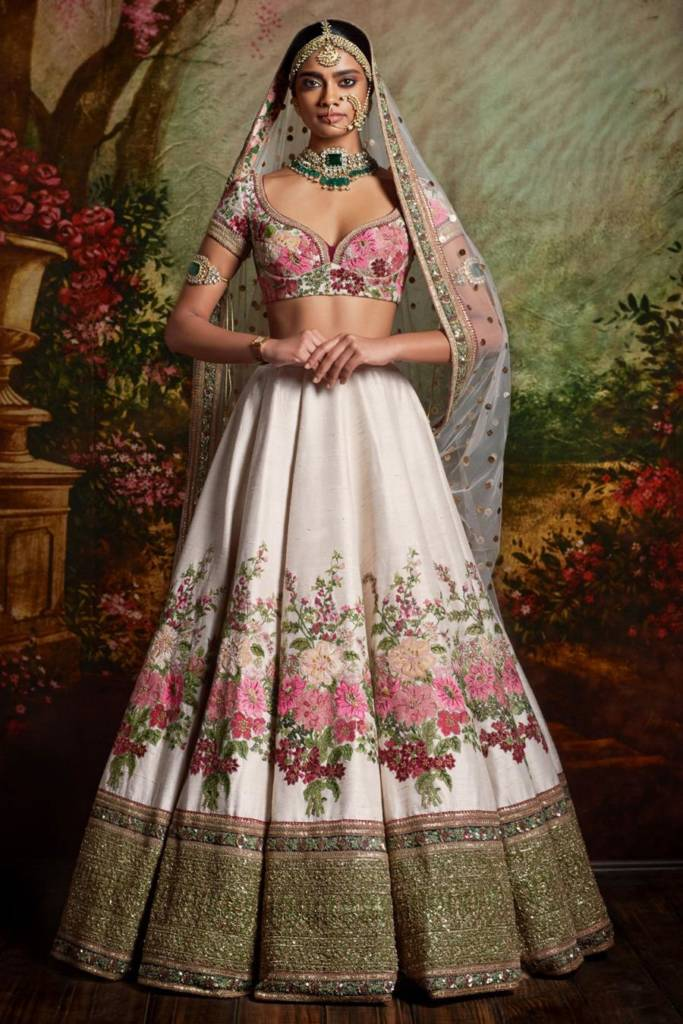 Ultimate Bridal Lehenga Color Combinations For Upcoming Brides In 2020 Grandweddings